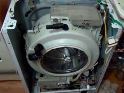 Стиральная машина гремит, стучит, тарахтит - причины поломки, ремонт в Ялте