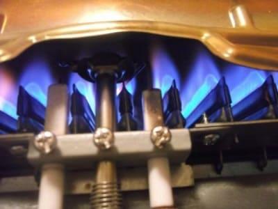 Газовая колонка запах газа - причины поломки, ремонт в Ялте