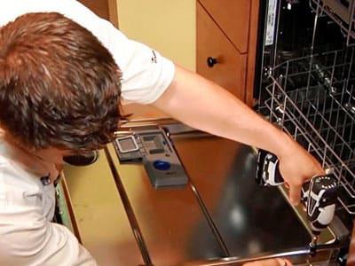 Посудомойка не закрывается дверца - причины поломки, ремонт в Симферополе