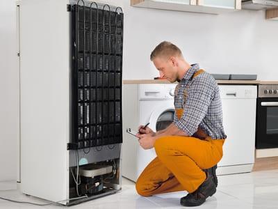 Холодильник не запускается, не включается - причины поломки, ремонт в Севастополе